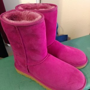 NWOT, Womens UGG boots, size 10, pink